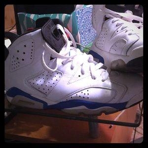 Size 8 1/2 Jordan sport blue